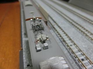 モヤ702のサーチライト点灯の様子