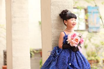 さやかちゃんドレス自然光ガーデン
