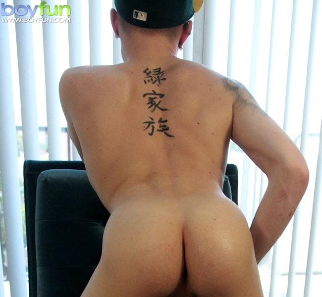 男性ヌード