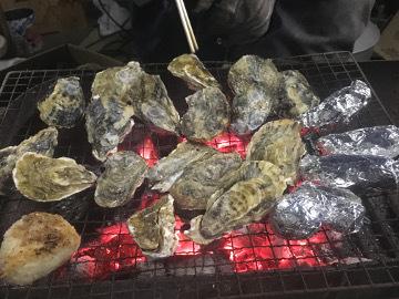 雨降り牡蠣焼き5