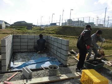 堆肥置き場のブロック積み2