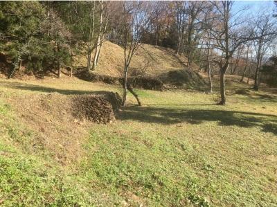 桝形状虎口の石積
