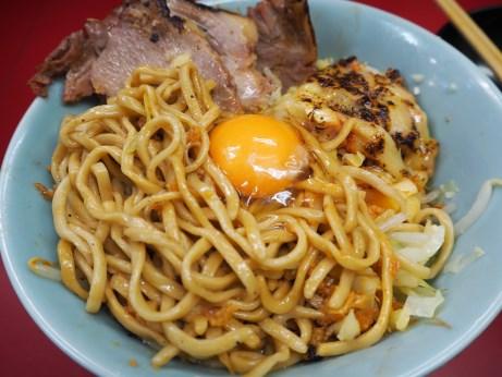 161211_中山駅前_生卵