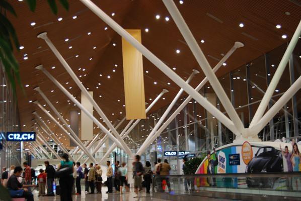 Keen London+Tokyo-マレーシア空港