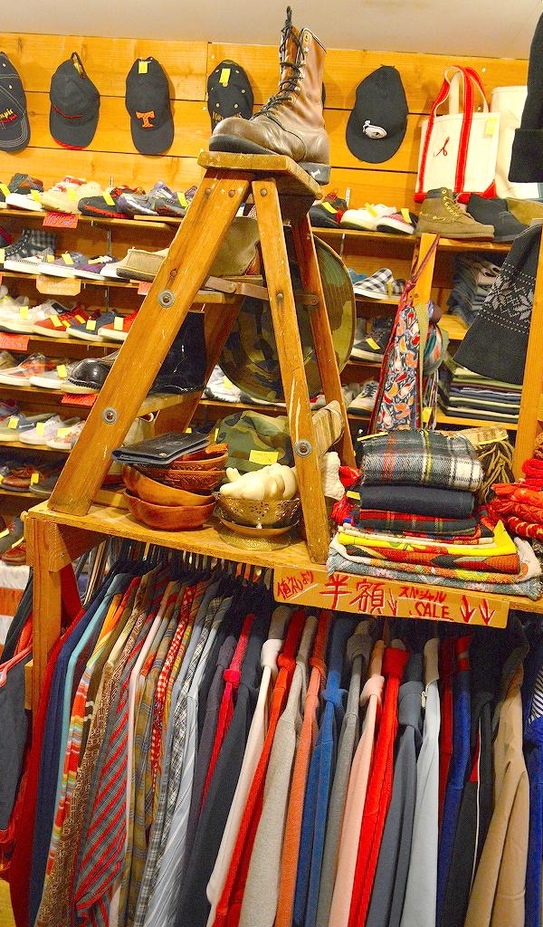 東京都北区王子の古着屋カチカチ店内画像07