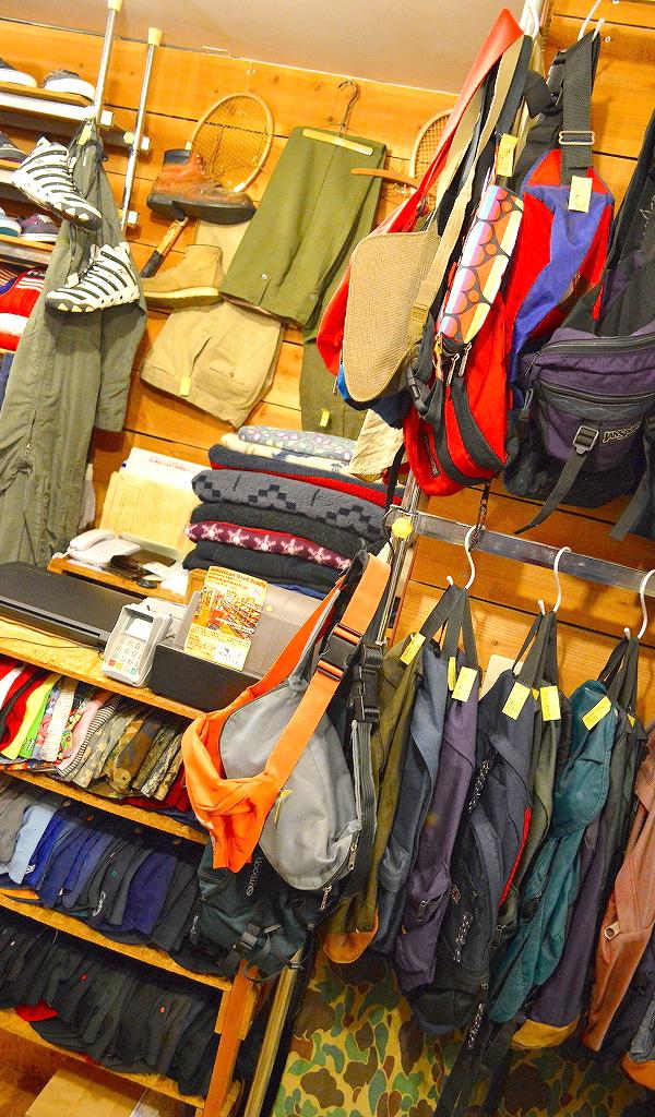 東京都北区王子の古着屋カチカチ店内画像016