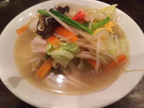 野菜たっぷりタン麺