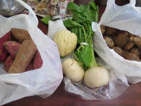 みかんさんからの贈り物 カブとお芋とハヤトウリ