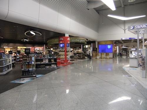 アテネ_帰路の空港 (1)