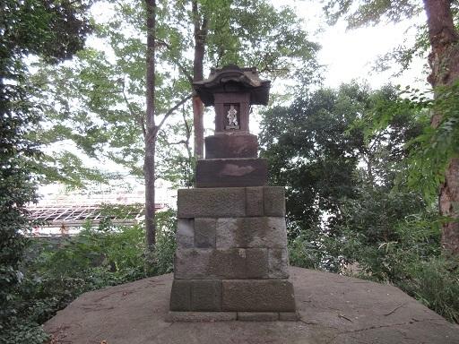 八王子神社富士塚山頂