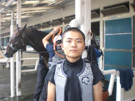 【競馬学校】我らがアイドル、騎手候補生の岩田エリックが消えた・・・・・・