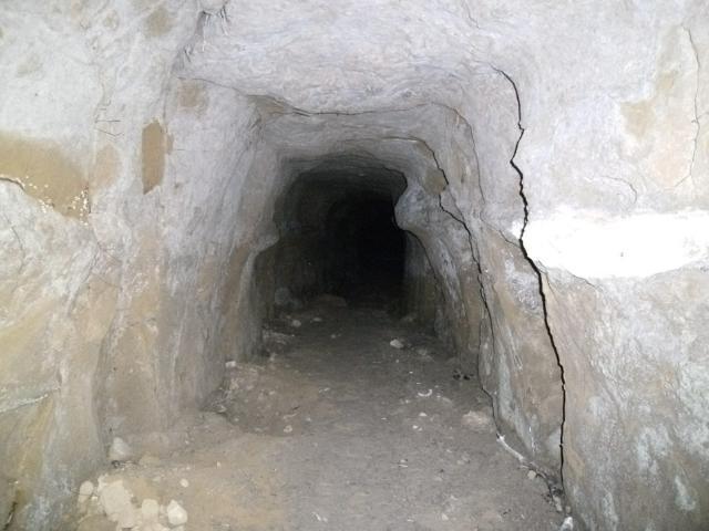 小波津の壕 (2)