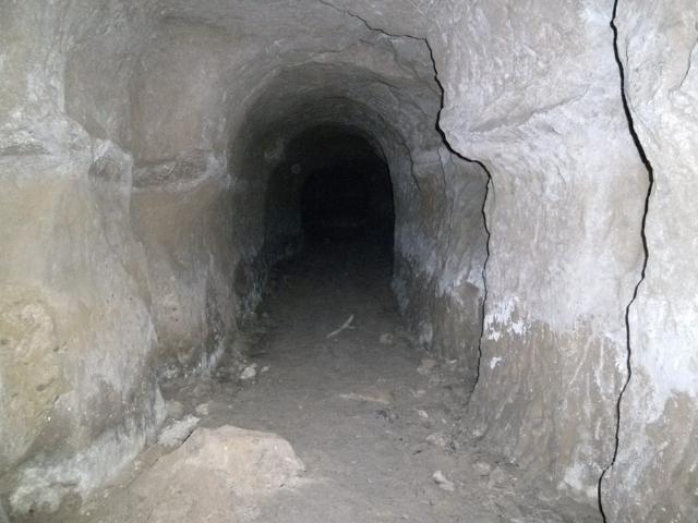小波津の壕 (3)