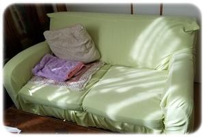 リビングのソファー片付け後