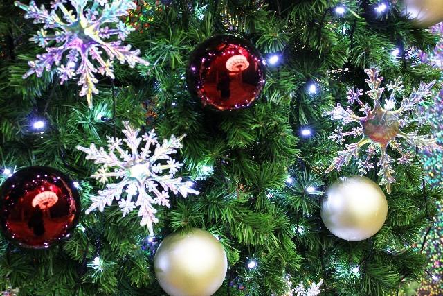 クリスマスツリー飾り付けオーナメント