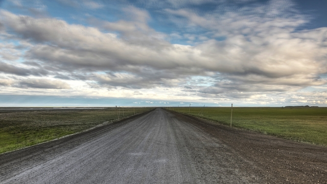 Dalton_Highway_facing_south_from_Deadhorse_201510041818447bb_20170206210708917.jpg