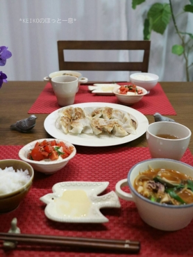 海鮮チゲスープとレタス入り餃子