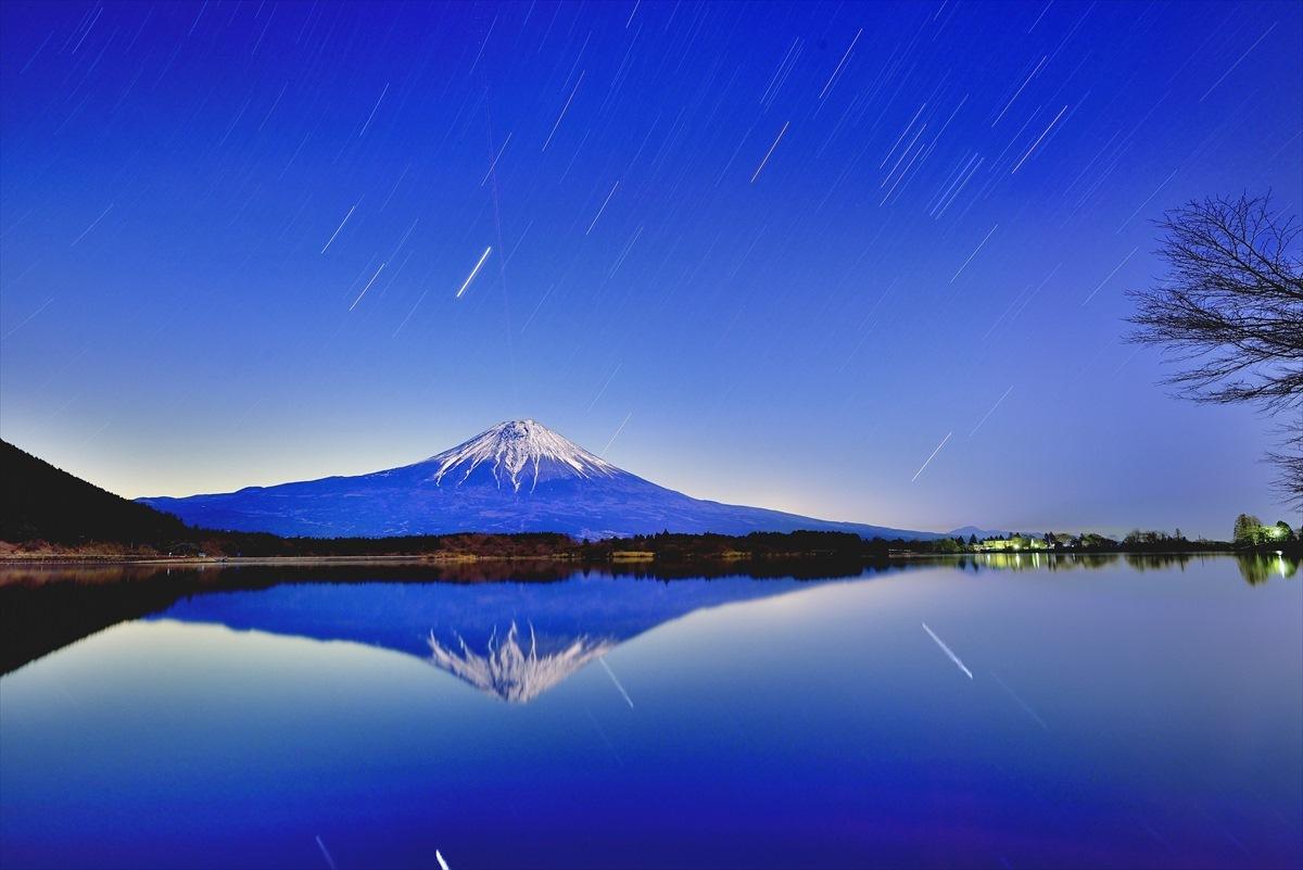 富士に昇るオリオン座2