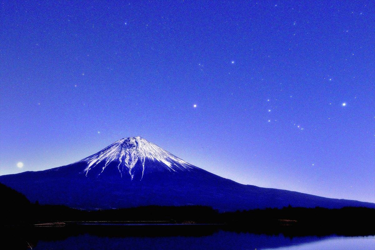 富士に昇るオリオン座1