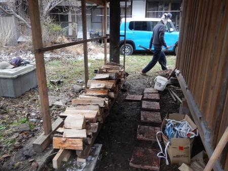 薪置き場 (4)