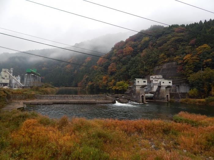 DSCN3470新川平発電所