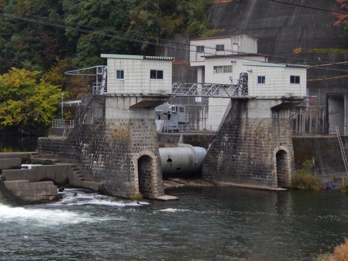 DSCN3471新川平発電所