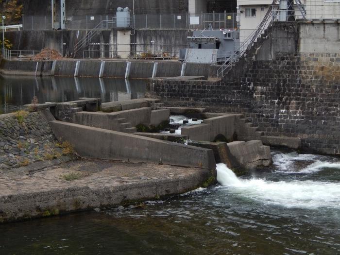 DSCN3477新川平発電所