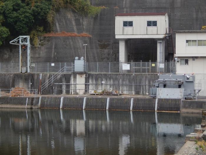 DSCN3481新川平発電所