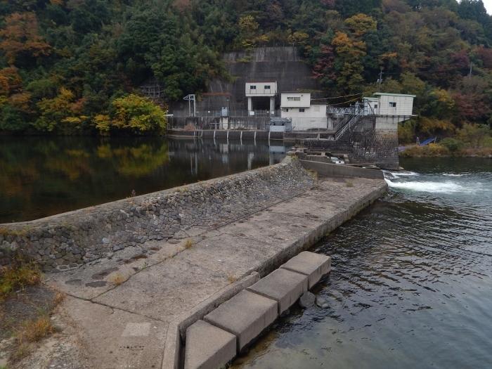 DSCN3480新川平発電所