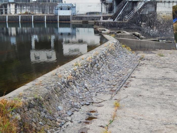 DSCN3485新川平発電所