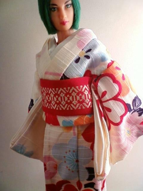 Shantung_kimono_a.jpg