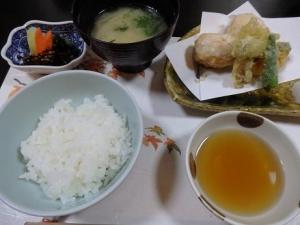 揚物・飯・味噌汁・香物