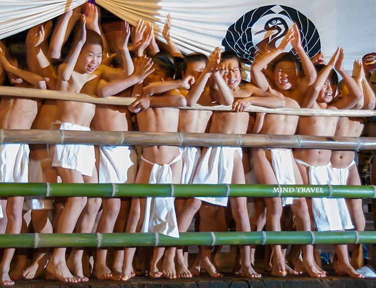 法界寺裸踊り2