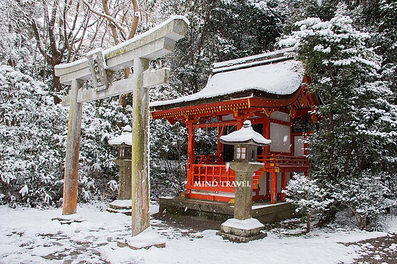石清水八幡宮 三女神社 雪