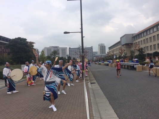 神戸楠公連 神戸マラソン2016沿道応援
