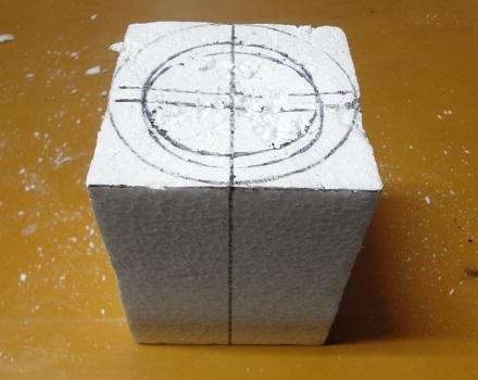4の5上の面に中心と円を書く