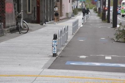 歩道と自転車を分離