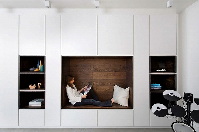 Cozy-reading-nook-inside-the-revamped-London-home.jpg