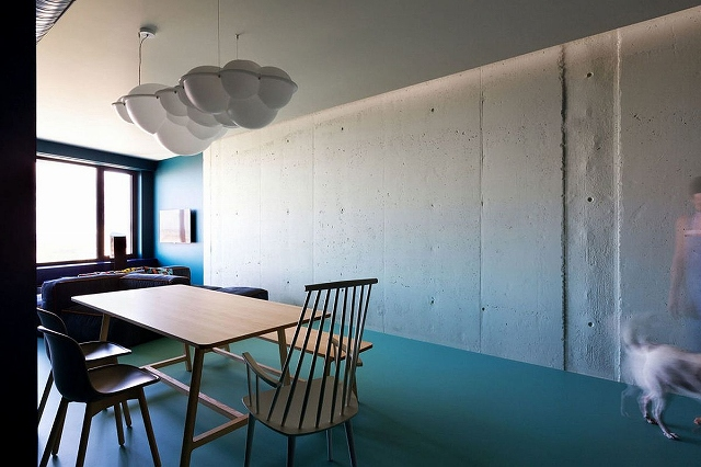 Dining-area-and-living-room-of-the-minimal-apartment-in-Kiev.jpg