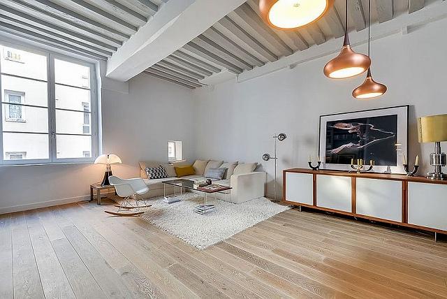 Elegant-cozy-decor-and-brilliant-pendants-shape-the-living-a.jpg