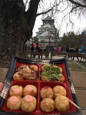 大阪城とタコ焼き