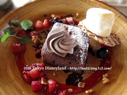 2016年 Tokyo Disneyland(東京ディズニーランド)のクリスマス「キャンプ・ウッドチャック・キッチンのブラウニー」