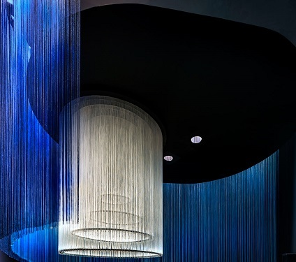 f3_van_cleef_and_arpels_and_the_french_national_museum_of_natural_history_the_art_and_science_of_gems_artscience_museum_singapore_exhibition_view_yatzer いいな