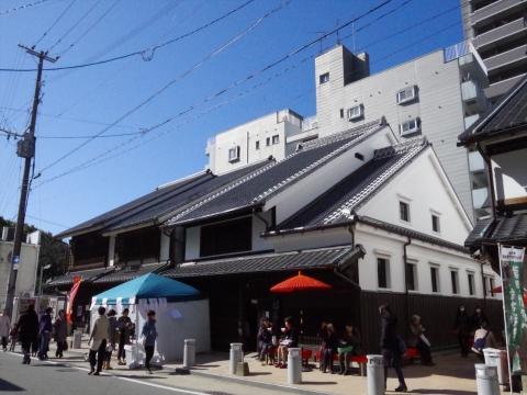 福岡市博多区冷泉町 櫛田神社傍の博多町屋