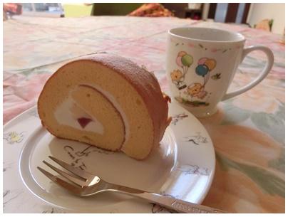 もりん(いちごロールケーキ)1