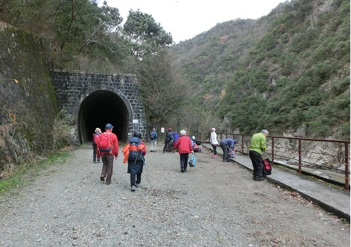 6 最初のトンネル