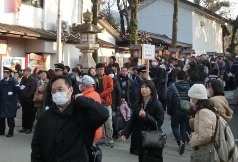 11 石切神社・参拝列の最後尾