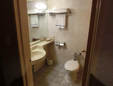 4 ホテル室内・浴室