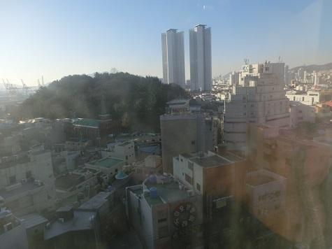 1 ホテルの窓から 朝!