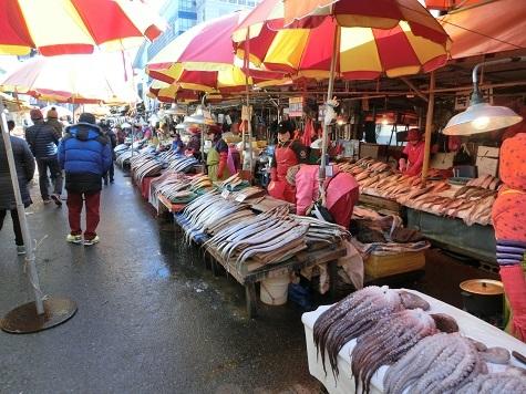 6 新東亜市場